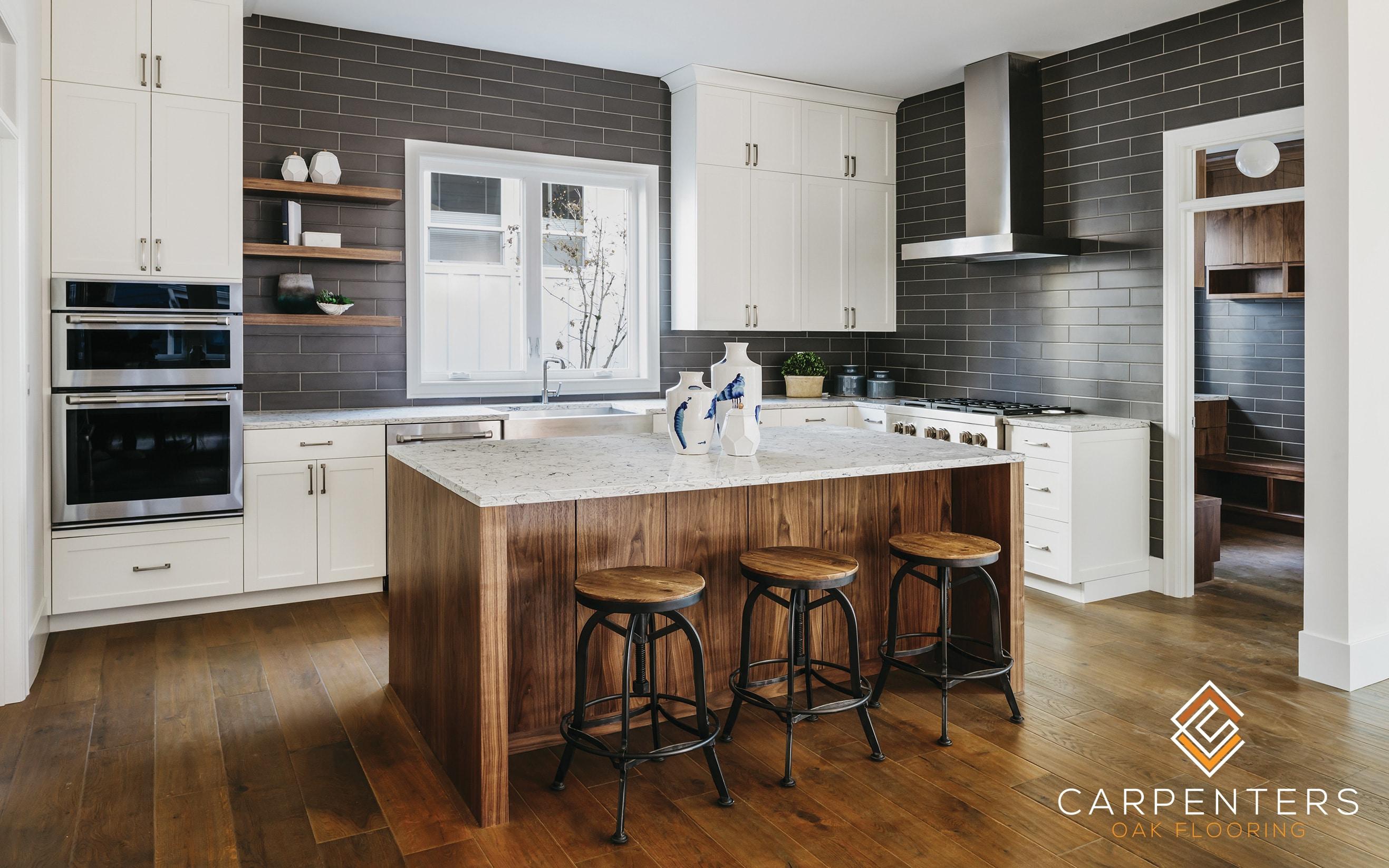 Carpenters Oak Nut Brown 190